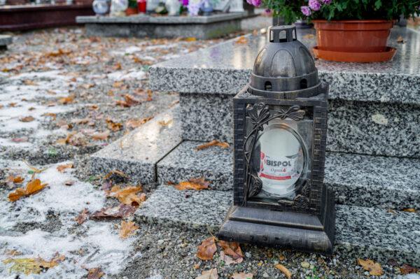 bispol-wklad-do-zniczy-wp3-cmentarz-2