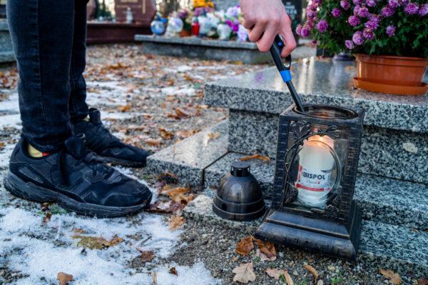 bispol-wklad-do-zniczy-wp3-cmentarz-odpalanie