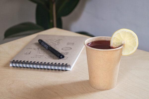kubek-papierowy-jednorazowy-brazowy-gladki-bez-nadruku-herbata-z-cytryna