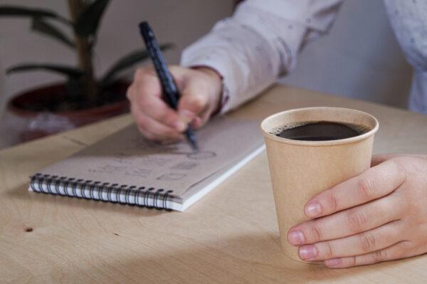 kubek-papierowy-jednorazowy-brazowy-gladki-bez-nadruku-kawa