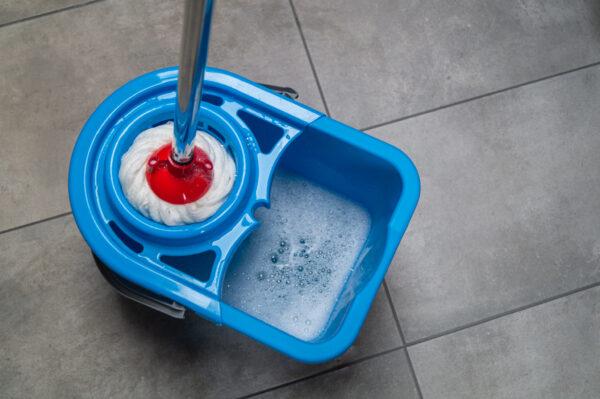 mop-ritorto-biala-koncowka-wiadro-niebieskie