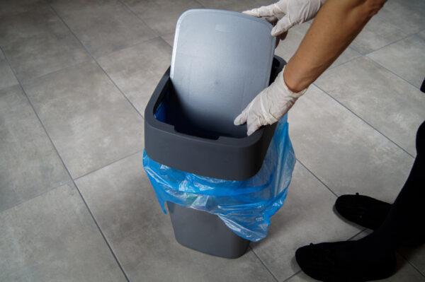 worek-na-smieci-odpady-m-top-paclan-niebieski-zakladanie-na-kosz-rekawiczki-biale