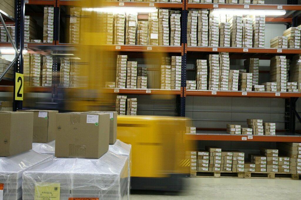 wysylka-paczki-koszty-dostawy-ejedrek-kurier-paczkomat