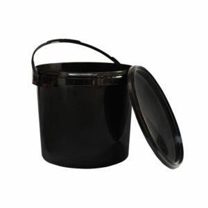 czarne-wiadro-plastikowe-z-pokrywka